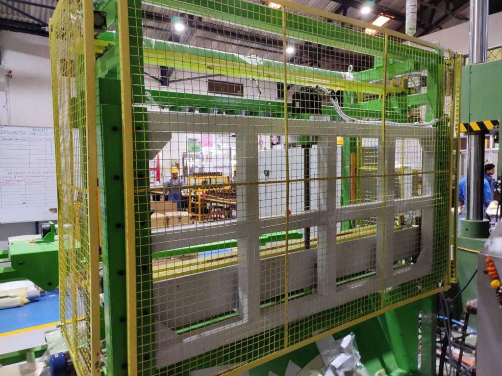 SMC-Cutting-Machine5-min